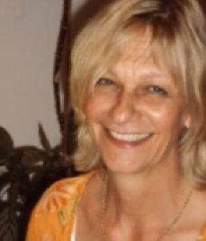 Blonde reife Frau sucht diskret einen Fick Partner