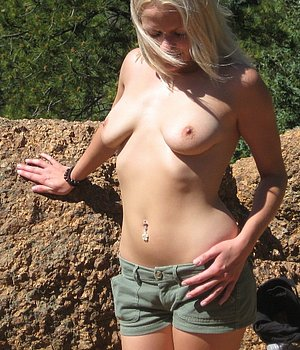 Sexy Blondine (w/28) aus Leer sucht Fick Kontakte